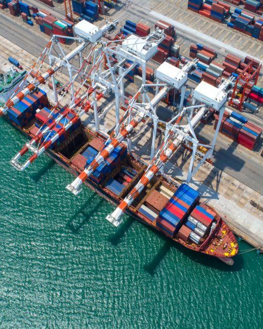 port shipping _646348933
